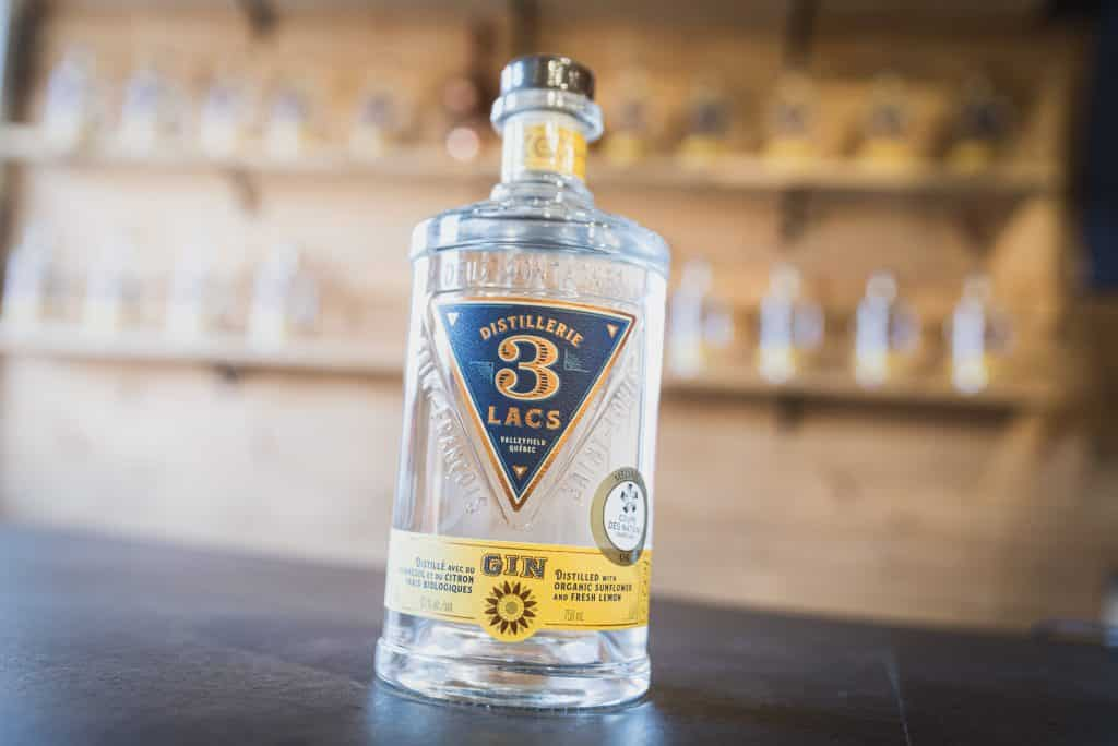 Distillerie des 3 lacs bottle of gin
